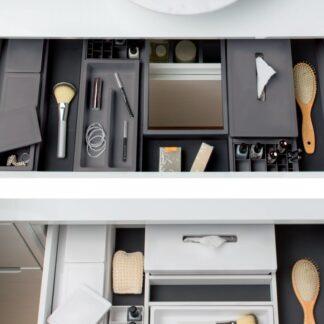 Organização e armazenamento para mobiliário de banho